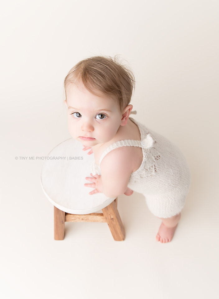 MN Baby photographer 9 month girl