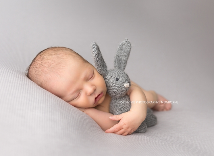 MN Newborn photography easter bunny