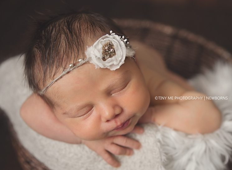 MN newborn sleepy white headband